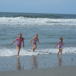 Frugal Family Fun: Beach Day (Day 17)