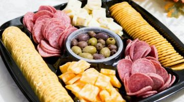 Make Holiday Parties Perfect With the HORMEL GATHERINGS® Party Trays